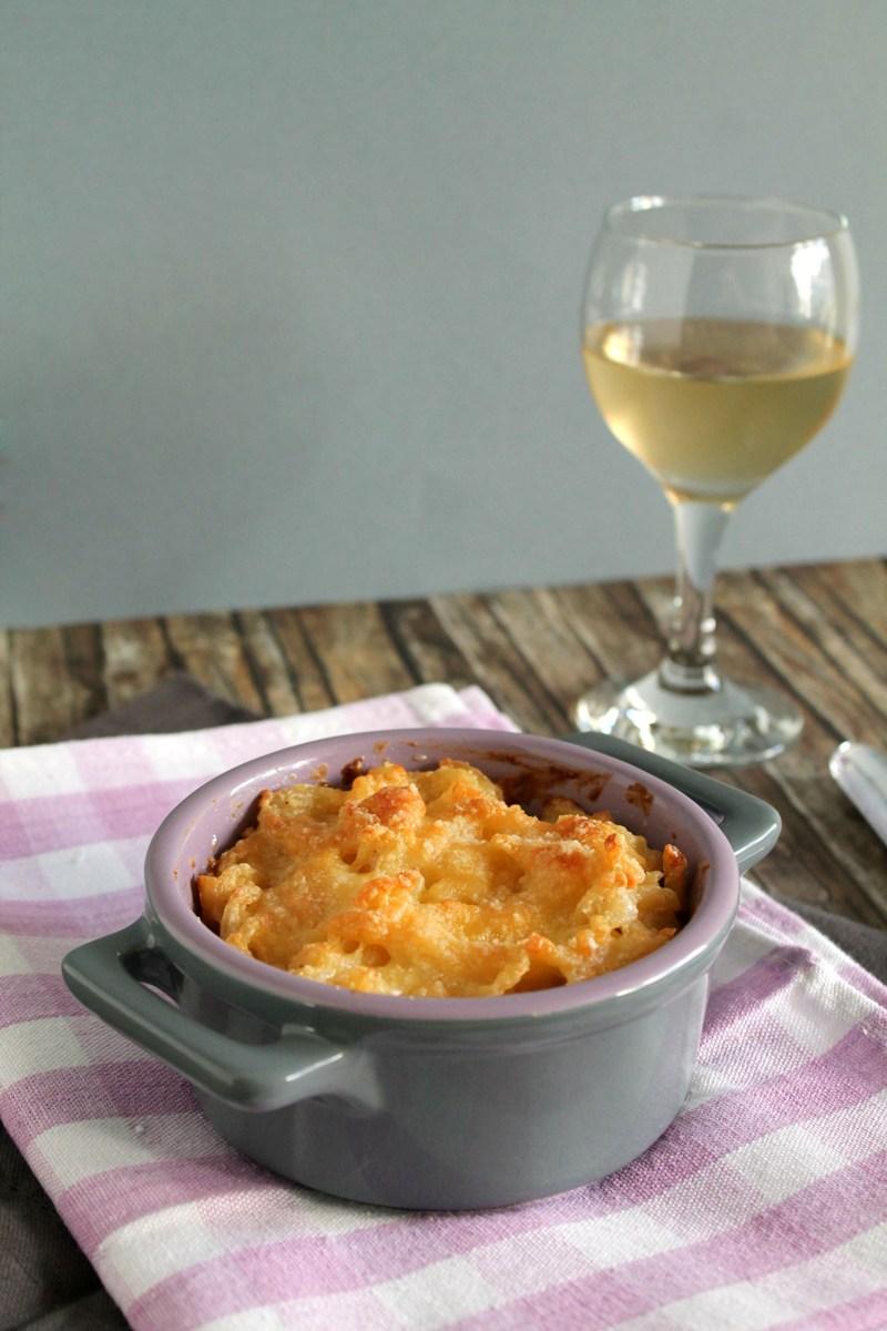 Βίδες ογκρατέν με τυρί κρέμα, ρεγκάτο και παρμεζάνα