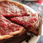 Cheesecake σοκολάτας με φράουλες και Χρόνια πολλά Κωστή!