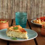Εύκολη τυρόπιτα με γραβιέρα, κασέρι και τυρί κρέμα + πένες με ντομάτα, σκόρδο και βασιλικό