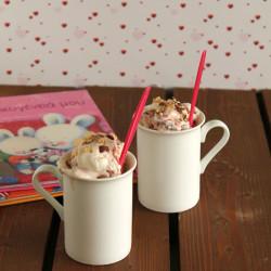 Εύκολο παγωτό με μαρμελάδα