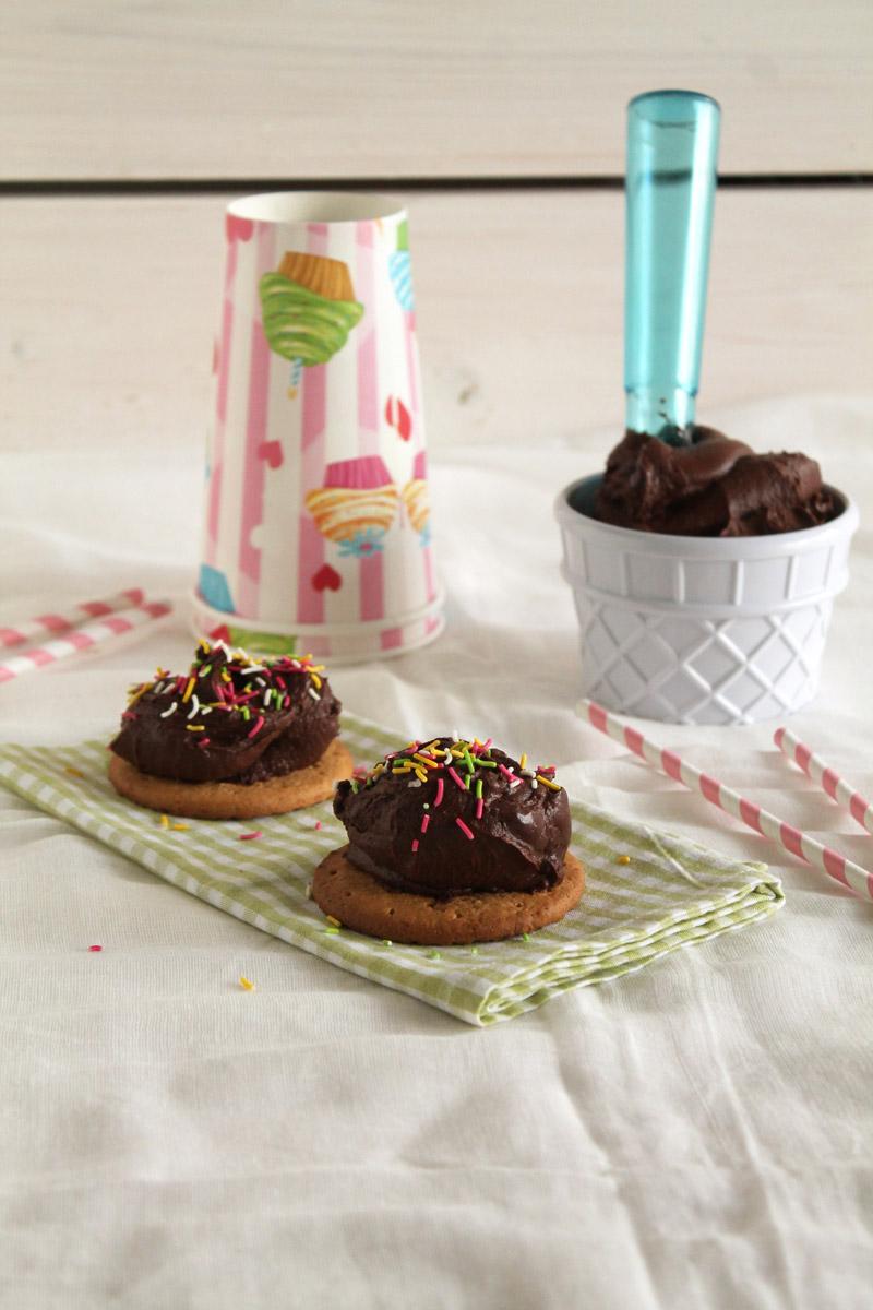 Υγιεινό παγωτό σοκολάτα
