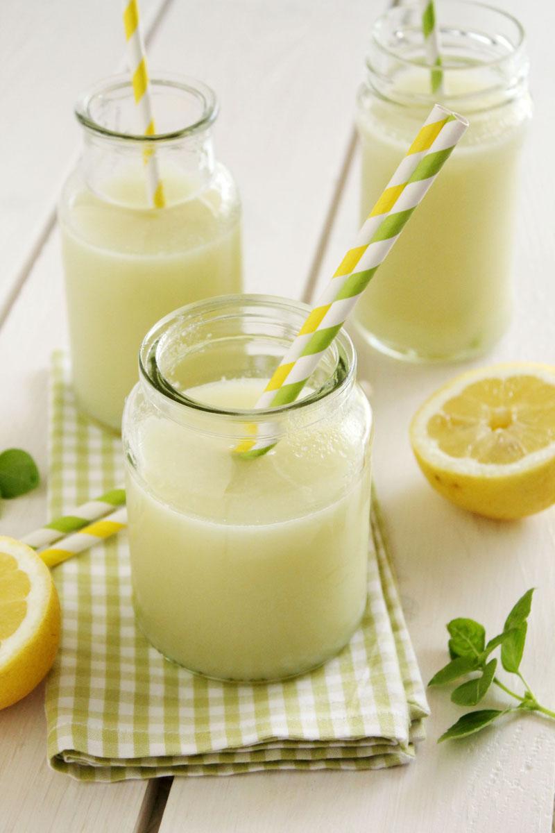 Blender lemonade