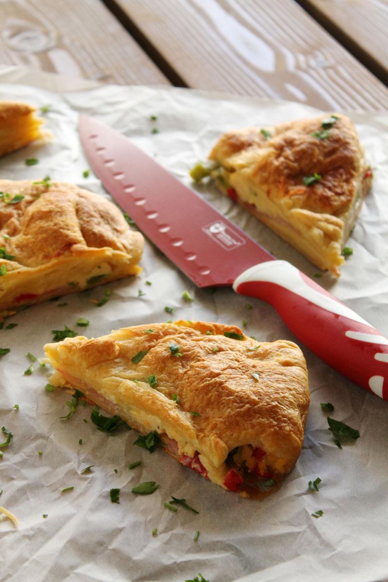 Scrambled-eggs-bacon-croissant-pie (1)