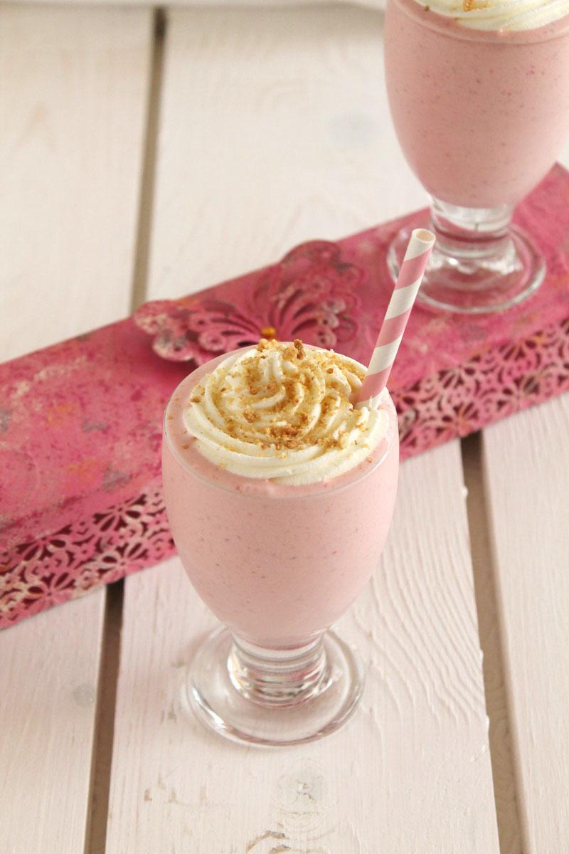Strawberry-cheesecake-smoothie (3)