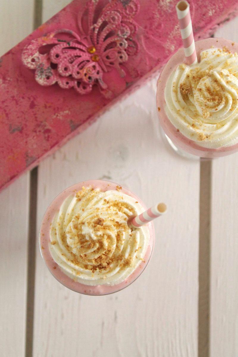 Strawberry-cheesecake-smoothie (4)