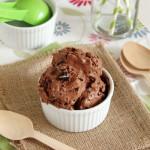 Εύκολο παγωτό σοκολάτα με μπισκότα Oreo