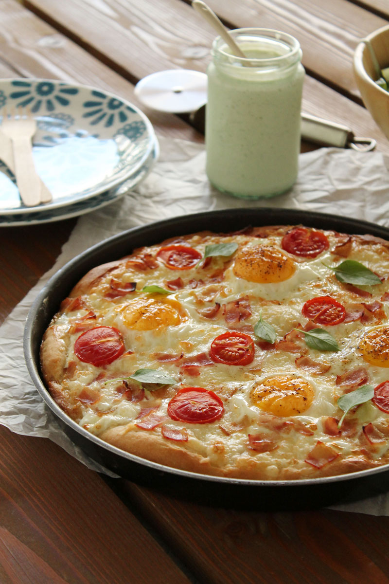 Gruyere, egg and bacon pizza