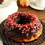 Κέικ με ρόδι και γλάσο σοκολάτας