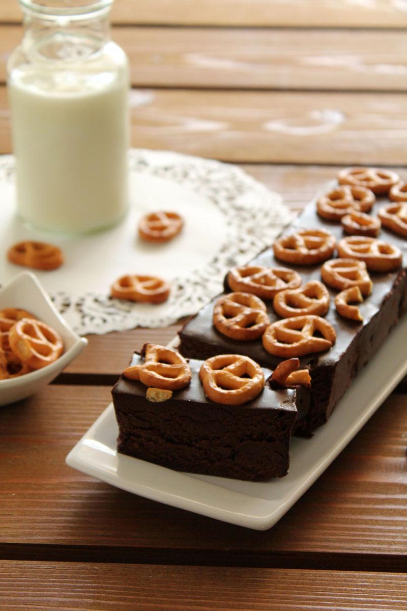 Κορμός με σοκολάτα και pretzels