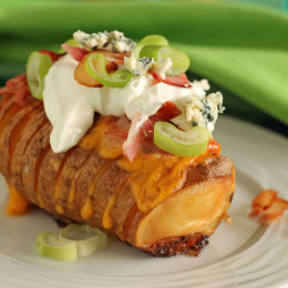 Cheddar-bacon-hasselback-potatoes (4)
