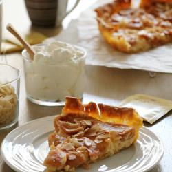 Μηλόπιτα με τυρί κρέμα και αμύγδαλα...
