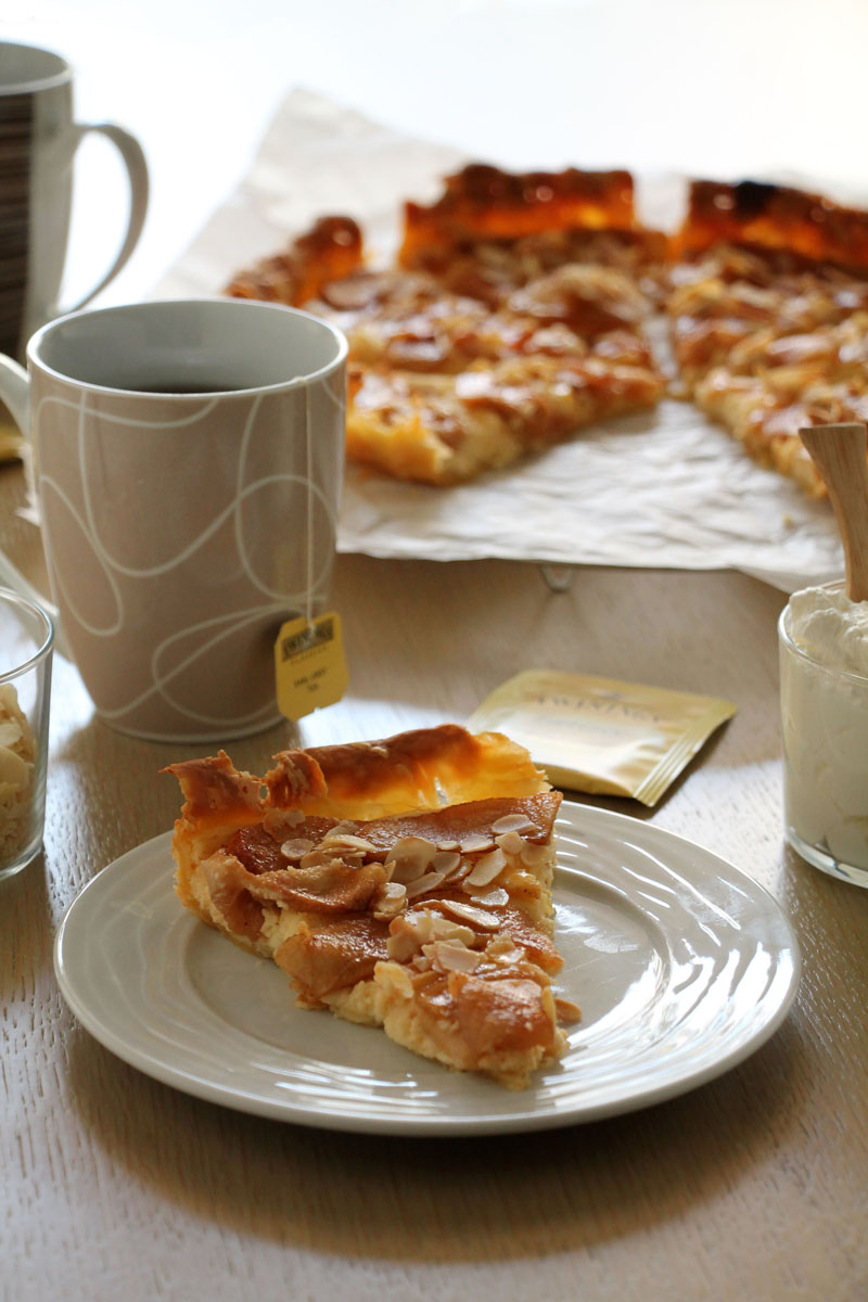 cream-cheese-almonds-apple-pie
