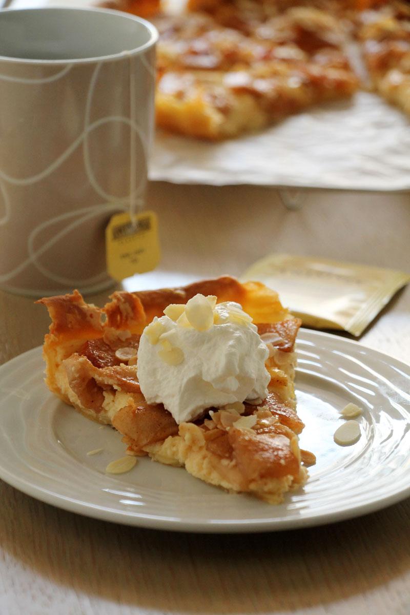 cream-cheese-almonds-apple-pie