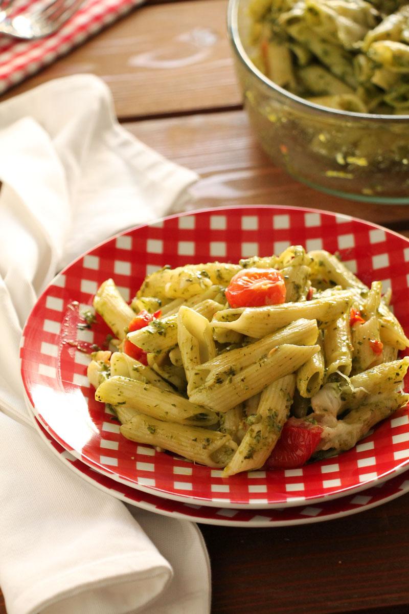 tomato-gruyere-spinach-arugula-pesto-penne