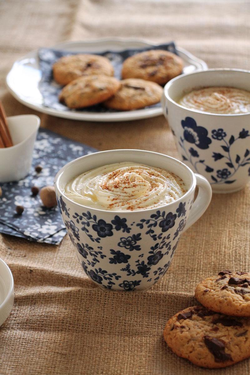 honey-chocolate-chunk-cookies