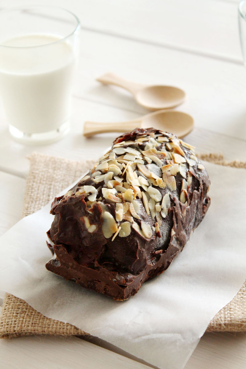 easy-chocolate-cream-log