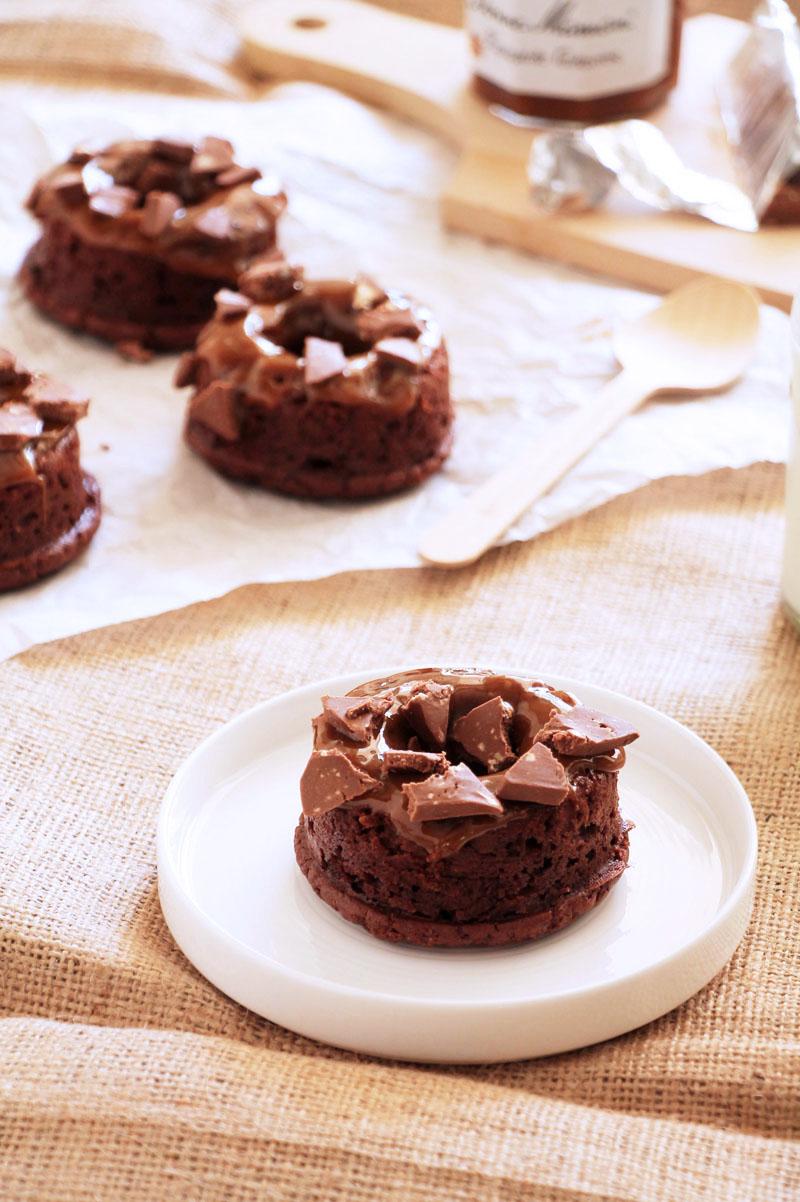 chocolate-dulce-de-leche-donuts