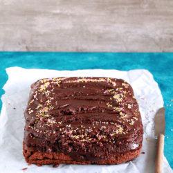 Σοκολατένιο κέικ με φυστικοβούτυρο