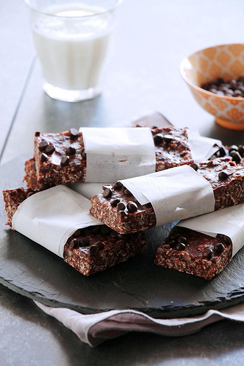 σοκολατένιες-μπάρες-δημητριακών-με-φυστικοβούτυρο
