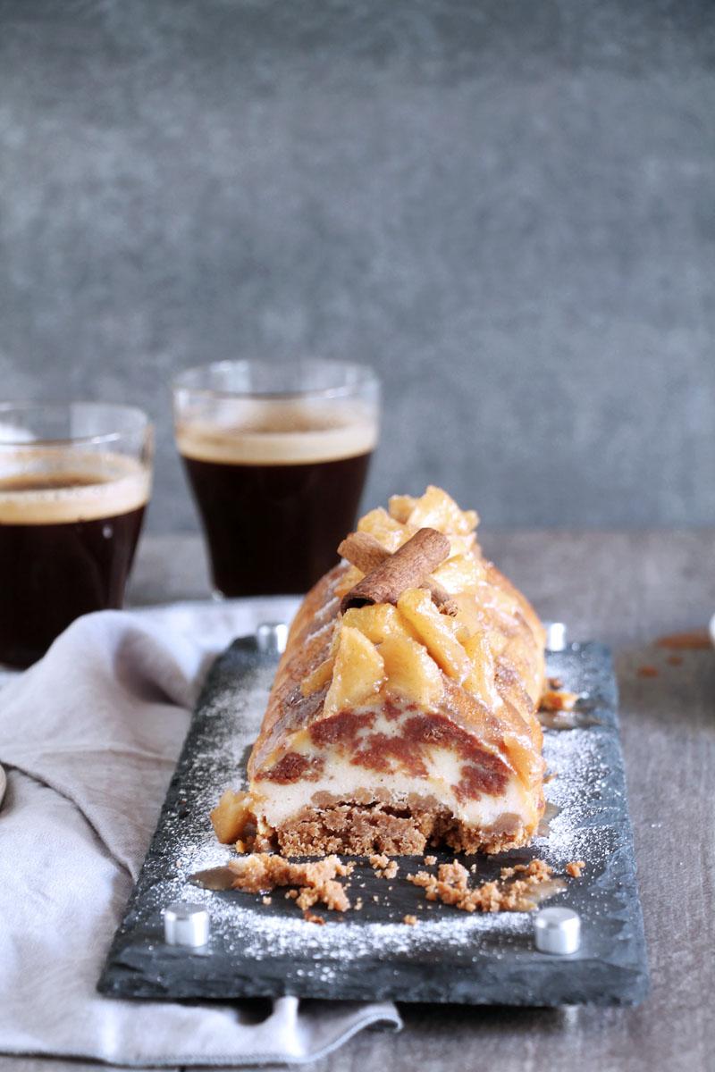 Cheesecake με κανέλα και μήλα