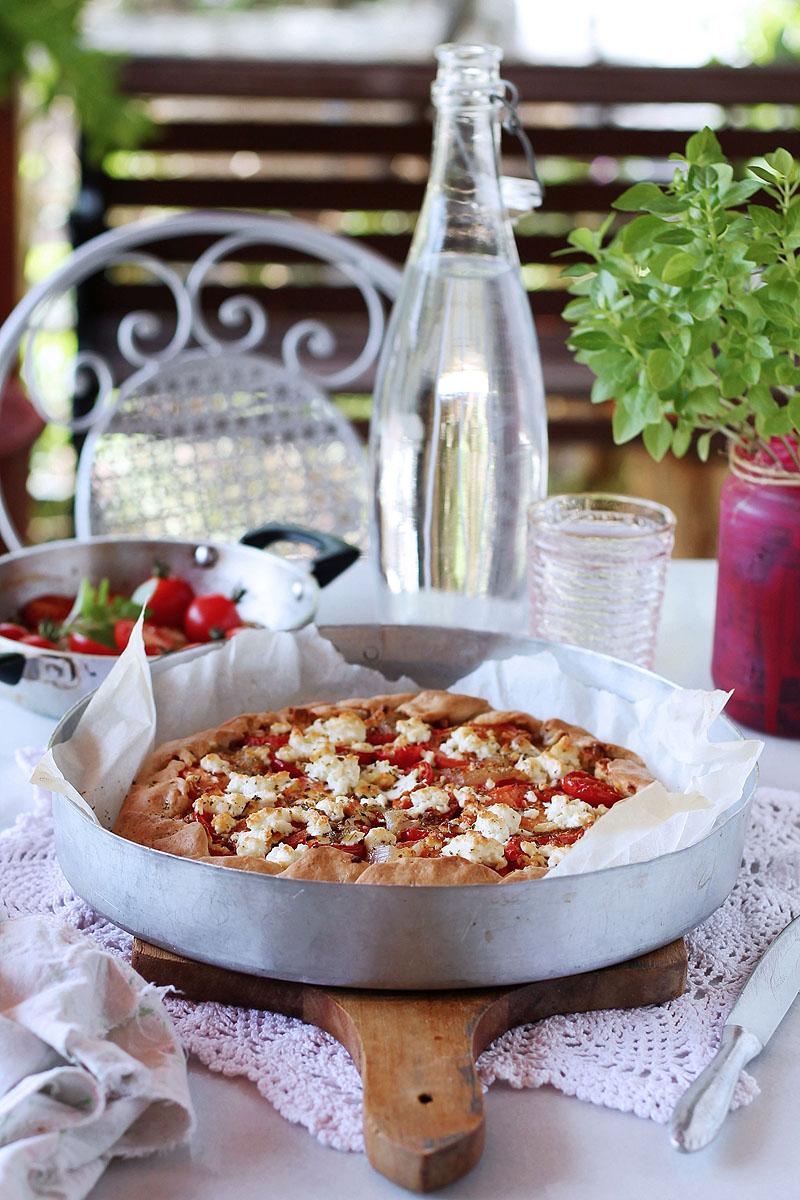 galette με κολοκυθάκια και καραμελωμένα κρεμμύδια