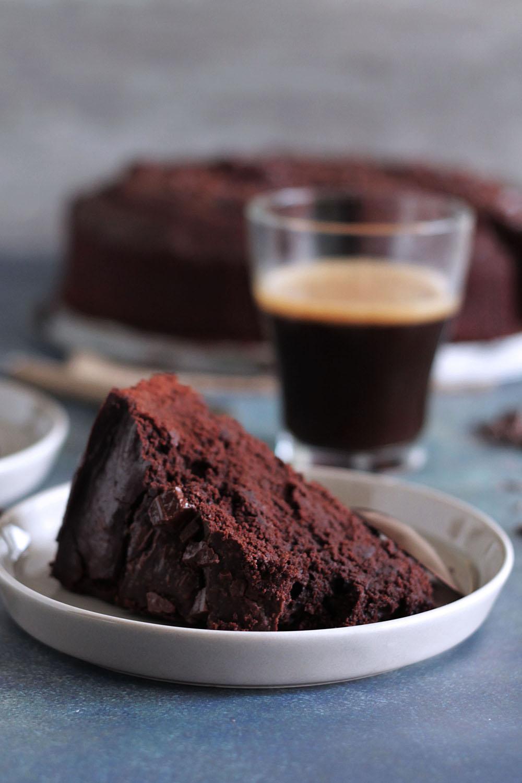 διπλά σοκολατένιο κέικ