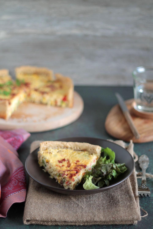 Τάρτα με λαχανικά και μπέικον